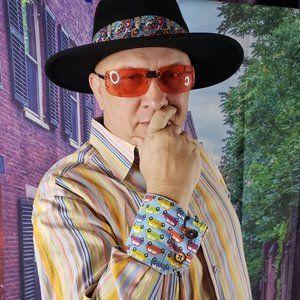 """Robert Graham """"Cars"""" Shirt Flip Cuffs Medium"""